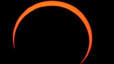 """""""خاتم النار"""".. غداً الخميس أول كسوف للشمس في 2021"""