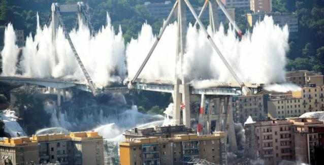 Γένοβα: Εντυπωσιακή κατεδάφιση της γέφυρας που κατέρρευσε και σκότωσε 43 ανθρώπους ΒΙΝΤΕΟ