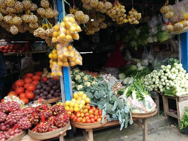sayuran segar di Sarangan