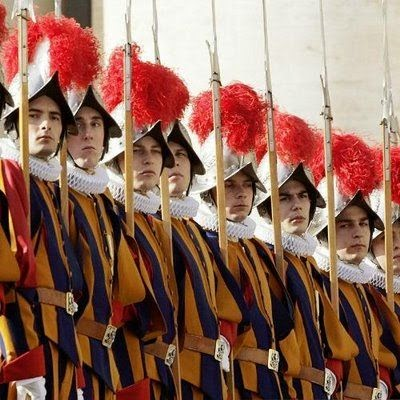 La Guardia Suiza, el mini ejército del Vaticano huella de su pasado como Estado geopolítico