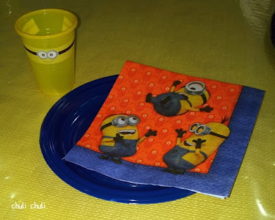 plato, vaso y servilleta minions