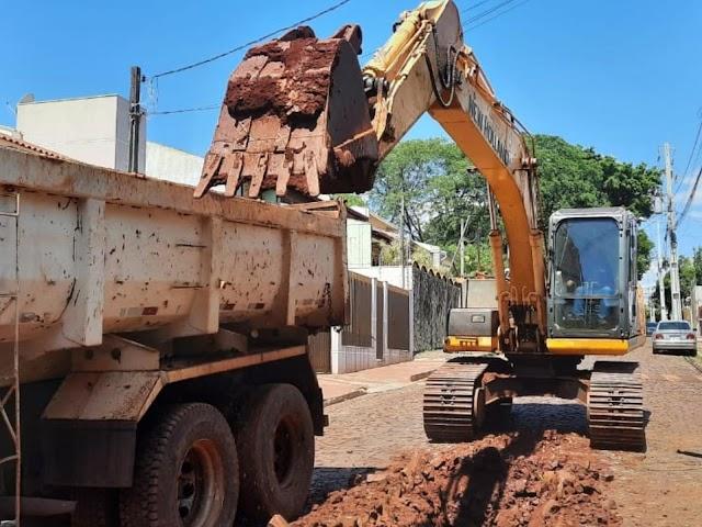 Bairro Monjolo recebe R$ 1,2 milhão em obras de drenagem