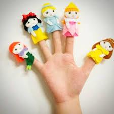 Ketahui Manfaat Bermain Dengan Boneka Tangan