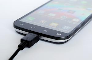 5 Tips Mengisi Daya Baterai Android Lebih Cepat Penuh