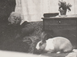 Gustav Goldemann ca. 1940 - with rabbit from Jakobs family archives (Copyright 2020 - G.K. Jakobs)