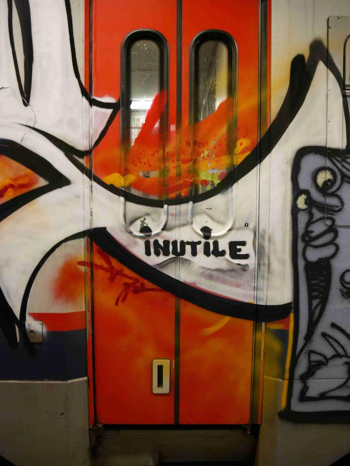 idiot brussels graffiti