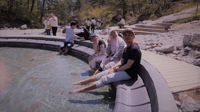 Pengalaman mandi onsen: wajib bugil