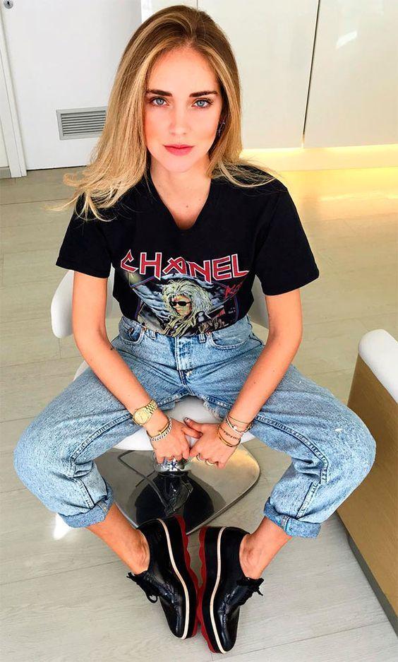 Look rocker com calça jeans e camiseta