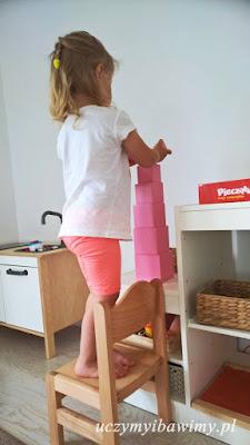 Różowa wieża - ćwiczenia