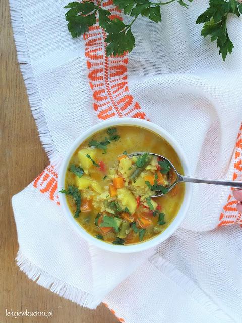 Zupa curry z ryżem i warzywami przepis