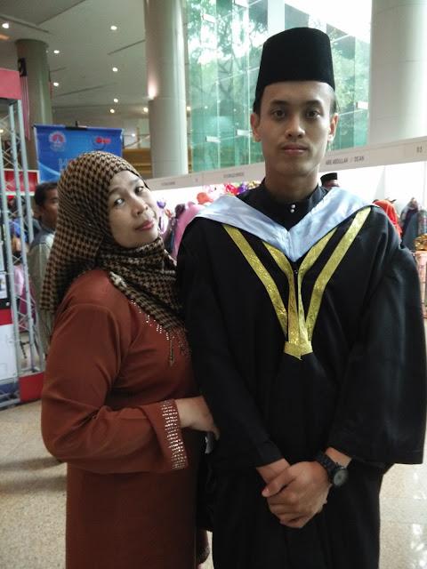Graduasi Muhammad Azmer..jom makan kat Pop's