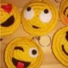 Llaveros Emojis a Crochet