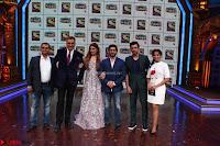 Raveena Tandon, Arshad Warsi and Boman Irani at the Launch Of New Show Sabse Bada Kalakar (4).JPG