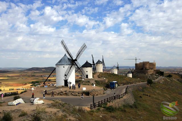 ラ・マンチャ地方 - コンスエグラの風車