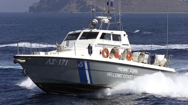 Προσάραξη επιβατικού τουριστικού σκάφους στην Ύδρα - Επιχείρηση διάσωσης 4 αλλοδαπών