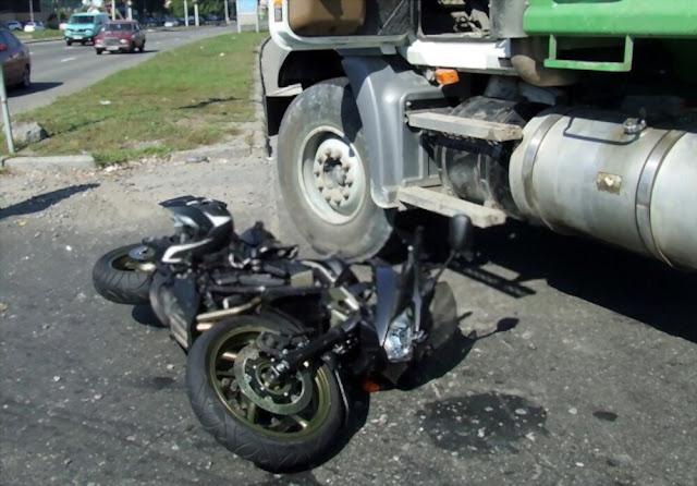 नालागढ़(Nalagarh) में एक ट्रक(Truck) ने बाइक पर दंपति को कुचल दिया, पति की मौत, पत्नी घायल(Injured)