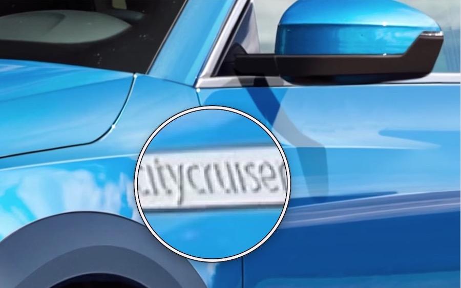 foto audi q1, dettaglio scritta cromata citycruiser