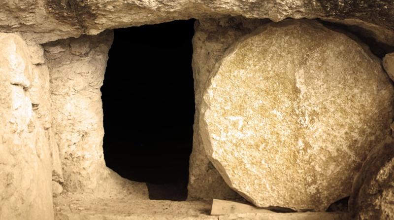 Por que o anjo removeu a pedra?
