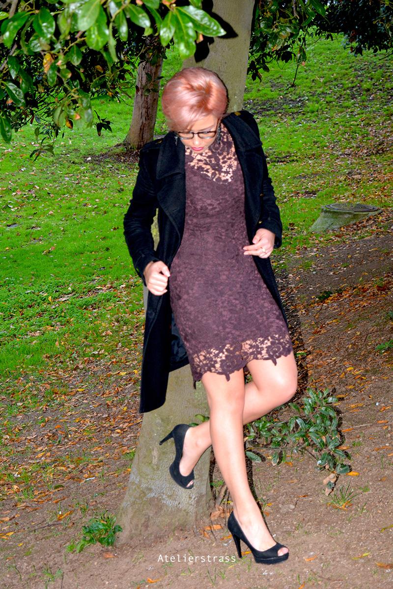 vestido de encaje purpura