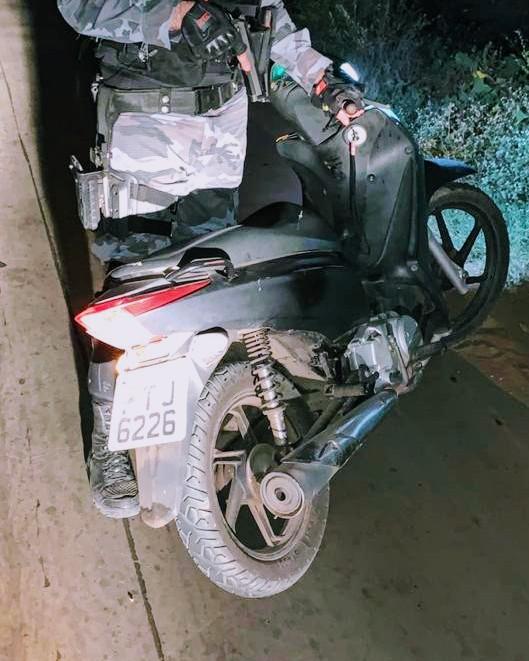 CAXIAS - Esquadrão Águia frustra ação de criminosos e recupera moto roubada