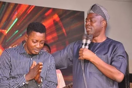 Oyo State Governor, Seyi Makinde Surprises Taye Currency With The Latest Toyota Prado Worth Over 32Million Naira. (Video)
