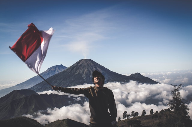 Ilustrasi bendera Indonesia. (Photo by Pexels)