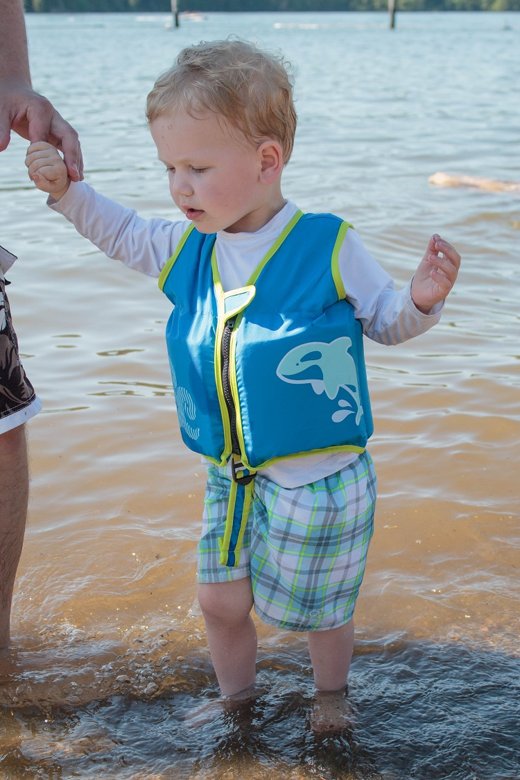 Sometimes your toddler is nervous about the water.  Here are some things you can do to help them gain confidence.