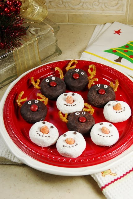 Adorable Rudolph & Snowmen Mini Donuts
