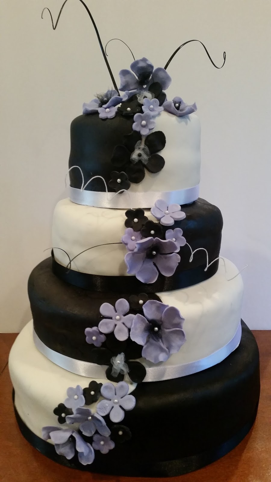 Classic And Beautiful Rose Lilac Wedding Cake Purple Cakes