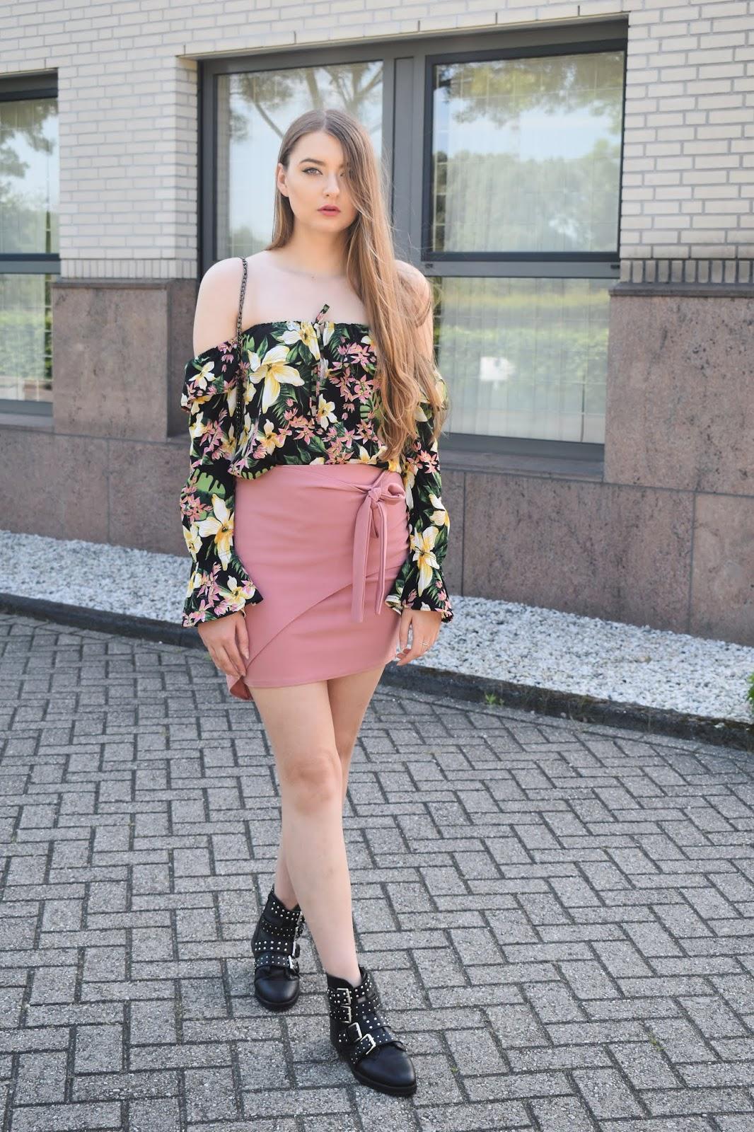 różowa spódnica jak ja nosić?