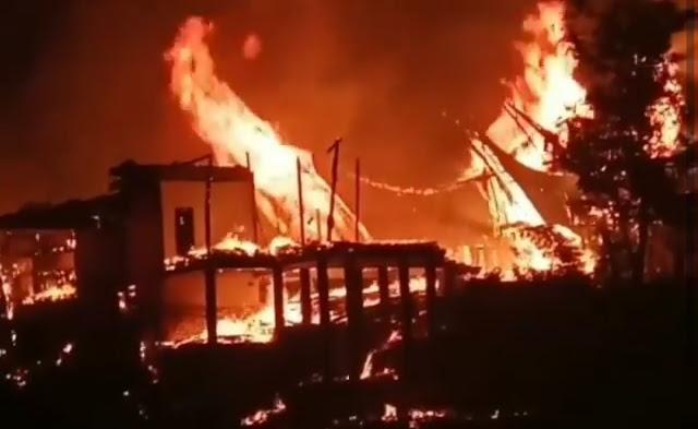 Dua Tongkonan Milik Mantan Calon Bupati Torut Ludes Terbakar, Kerugian Ditaksir Miliaran Rupiah