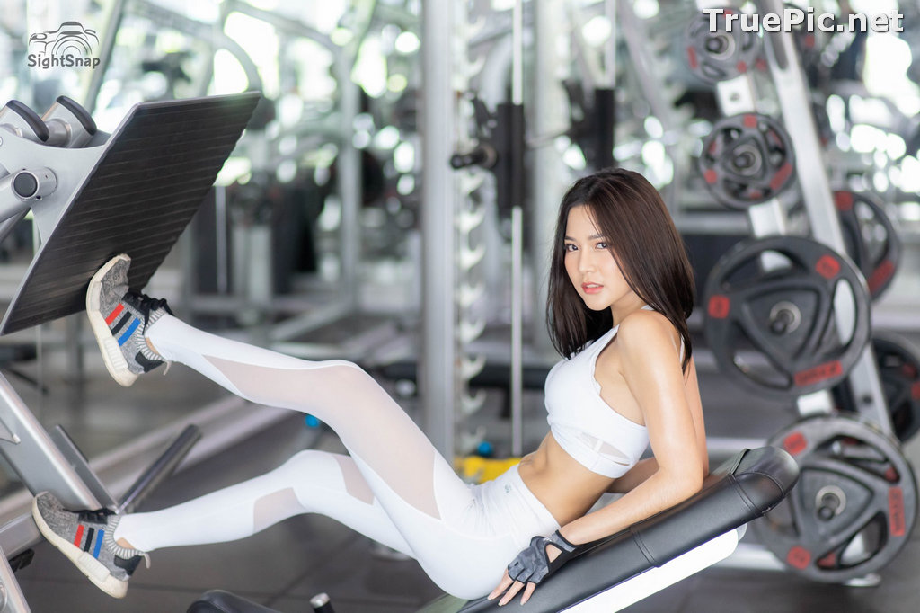 Image Thailand Model - Phitchamol Srijantanet - White and Black Fitness Set - TruePic.net - Picture-1