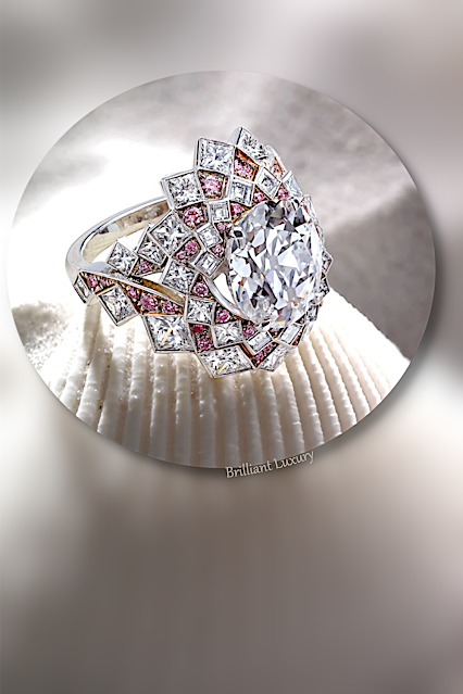 David Morris Maelstrom collection ring with pink & white diamonds and a center stone of 5.16ct #brilliantluxury