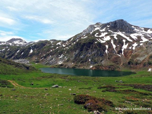 Lago de Cerveriz, Lagos de Saliencia, Parque Natural de Somiedo, Asturias