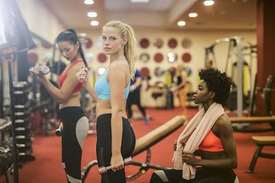 بناء الجسم للفتيات والحصول على اللياقة والقوة