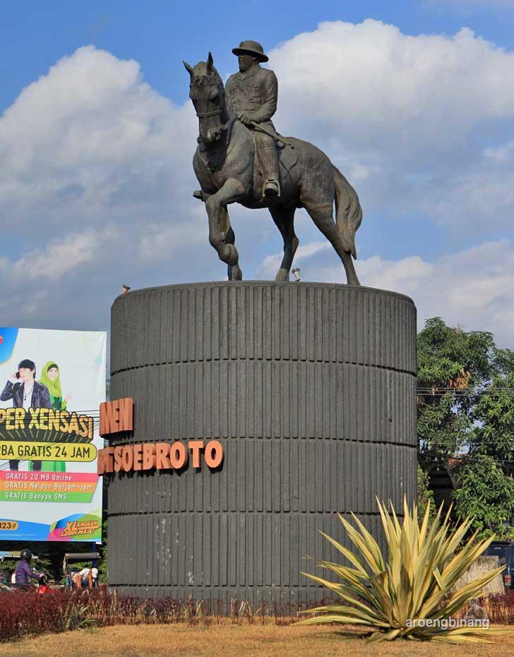 monumen jenderal gatot soebroto purwokerto banyumas