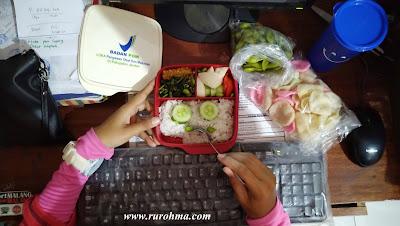 plastik PP Wayang sangat aman untuk digunakan bersentuhan langsung dengan produk makanan & minuman