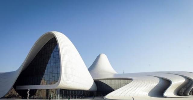 bangunan paling wajib dikunjungi di baku azerbaijan heydar aliyev center sejarah