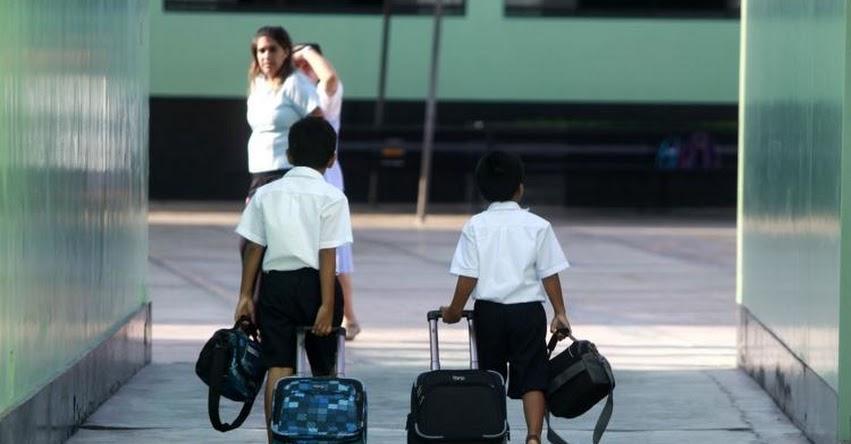 Sigue estos 5 consejos para ayudar a tu hijo a afrontar el cambio de colegio