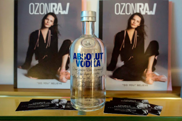 HILTON ATHENS GEORGE DIMOPOULOS PHOTOGRAPHY FASHION ROOM SERVICE OZON MAGAZINE