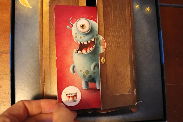 detail skrine z hry Příšerky ze skříně