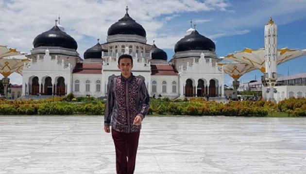 foto Gamal Di Masjid Raya Baiturrahman Via @gamalalbinsaid