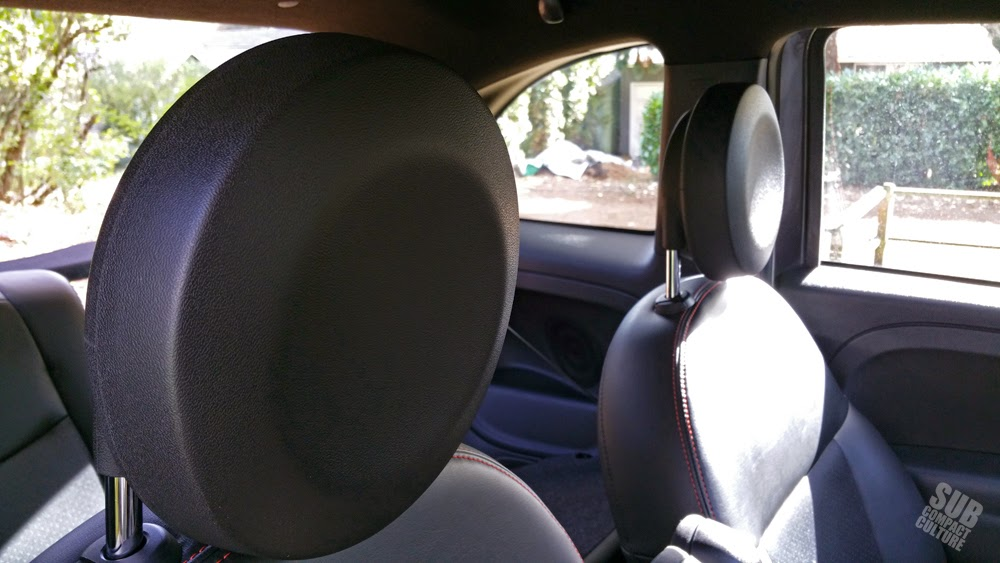 Fiat 500e headrests
