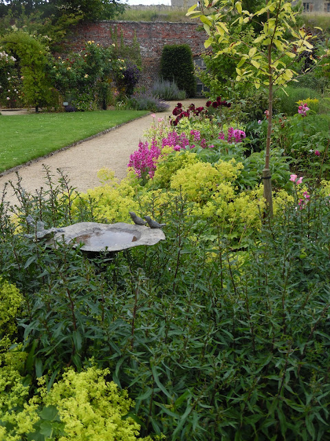 poidło, ogród angielski