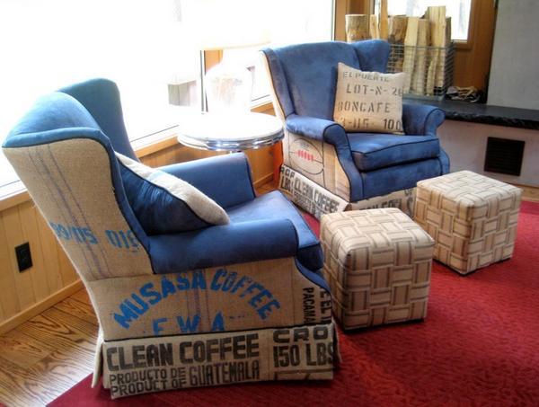 Kursi tamu minimalis dengan sandaran kaki