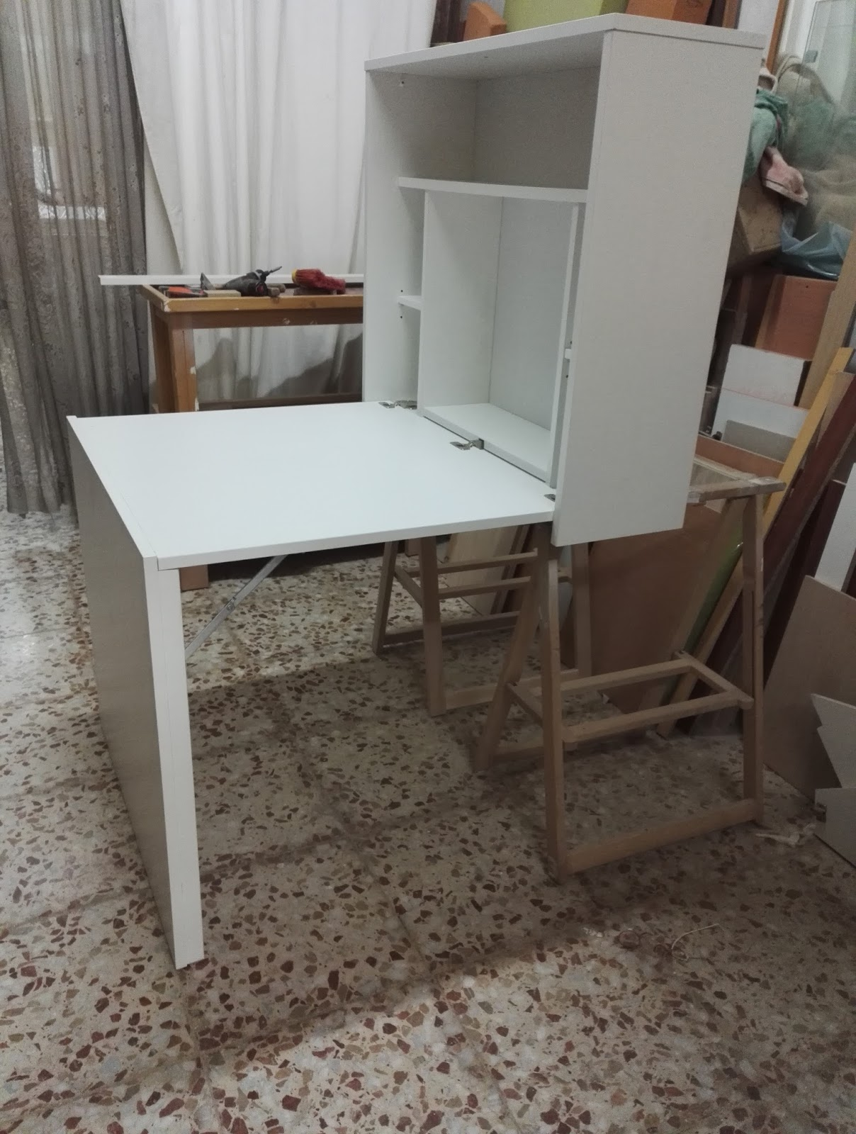 Muebles a medida mesa plegable para colgar a la pared - Mesa plegable pared ...