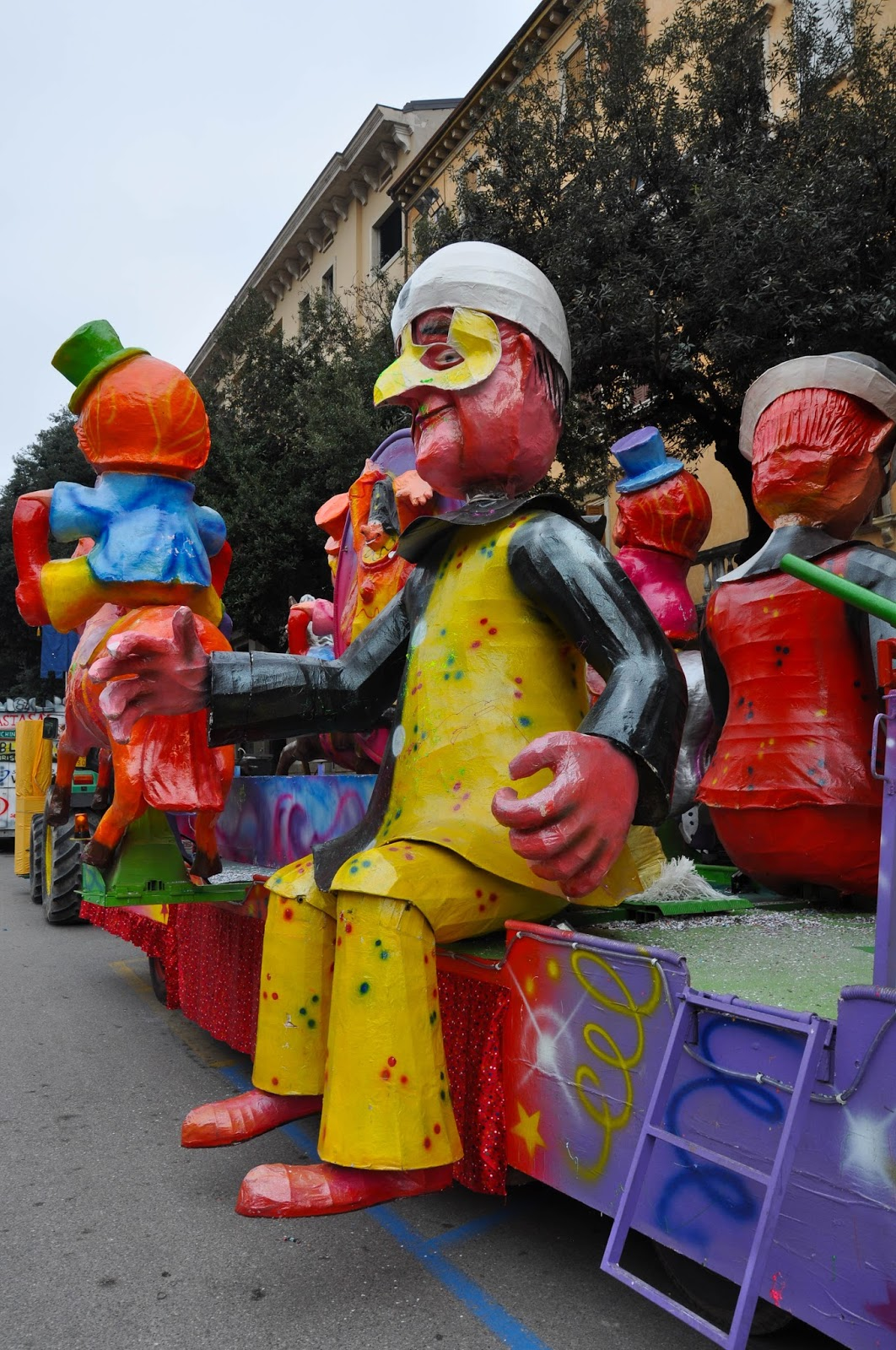 Huge papier mache figures - part of a float at Verona Carnival