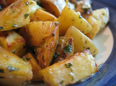 Roasted Potatoes with Basil and Balsamic Vinegar
