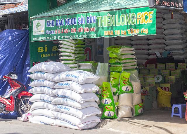 Cửa hàng đại lý gạo