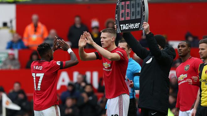 Ngoại hạng Anh phản đối thay 5 người/trận vì sợ MU, Liverpool được lợi